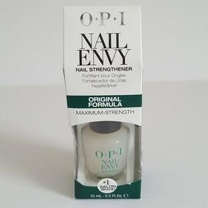OPI Nail Envy Nail Strengthener